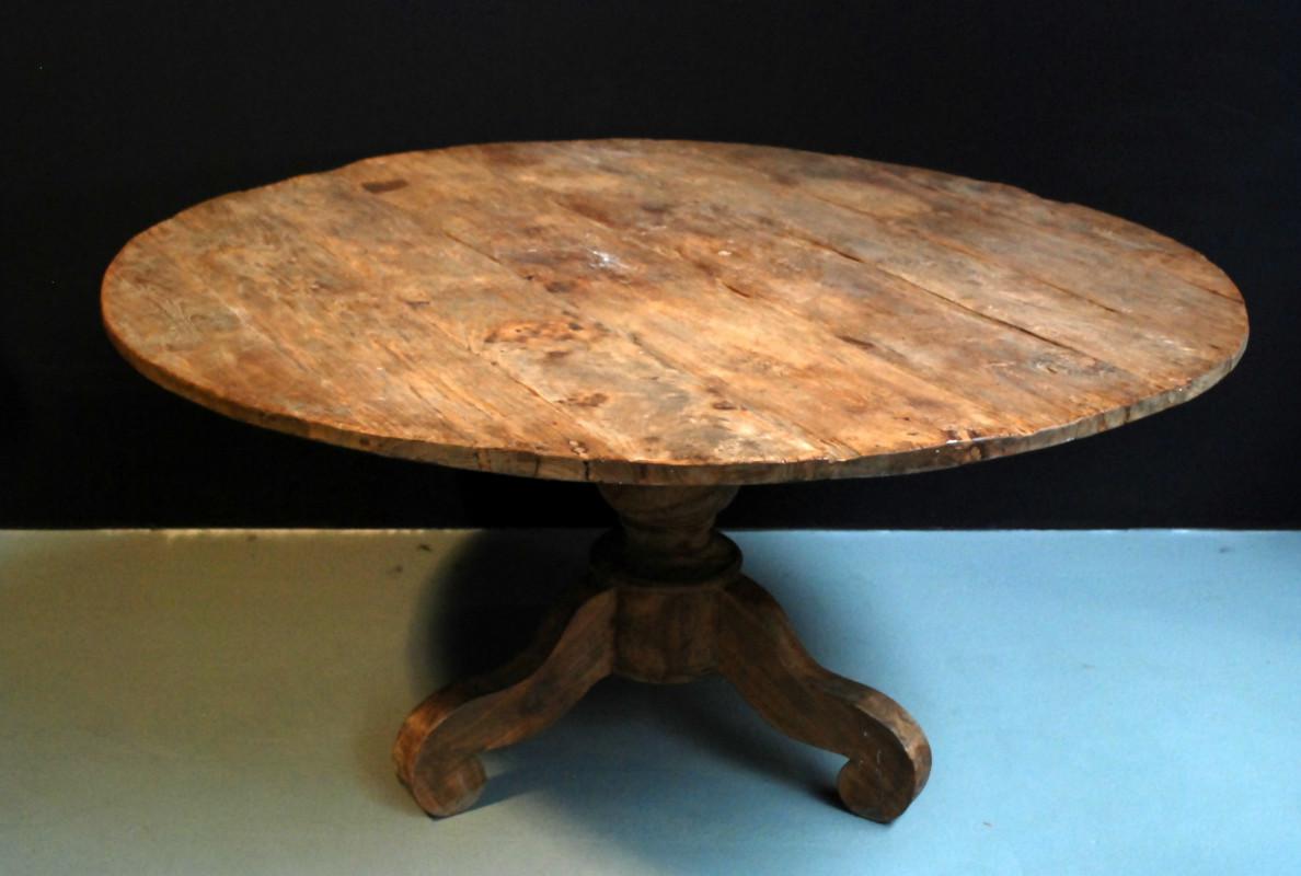 Feng shui woonkamer - Grote ronde houten tafel ...