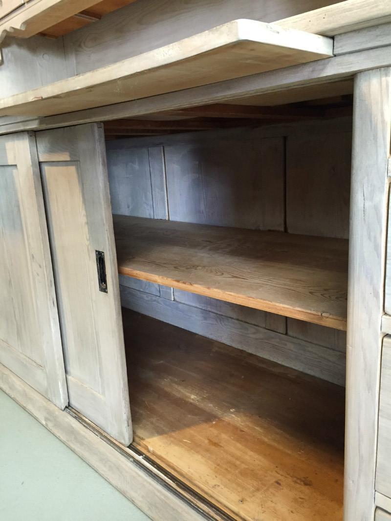 buffetschrank alte buffetschrank holz m bel aus holz. Black Bedroom Furniture Sets. Home Design Ideas
